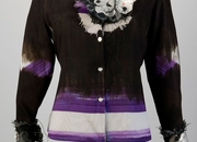 Overprinted second-hand polyster blouse, with detachable polyester lace collar.